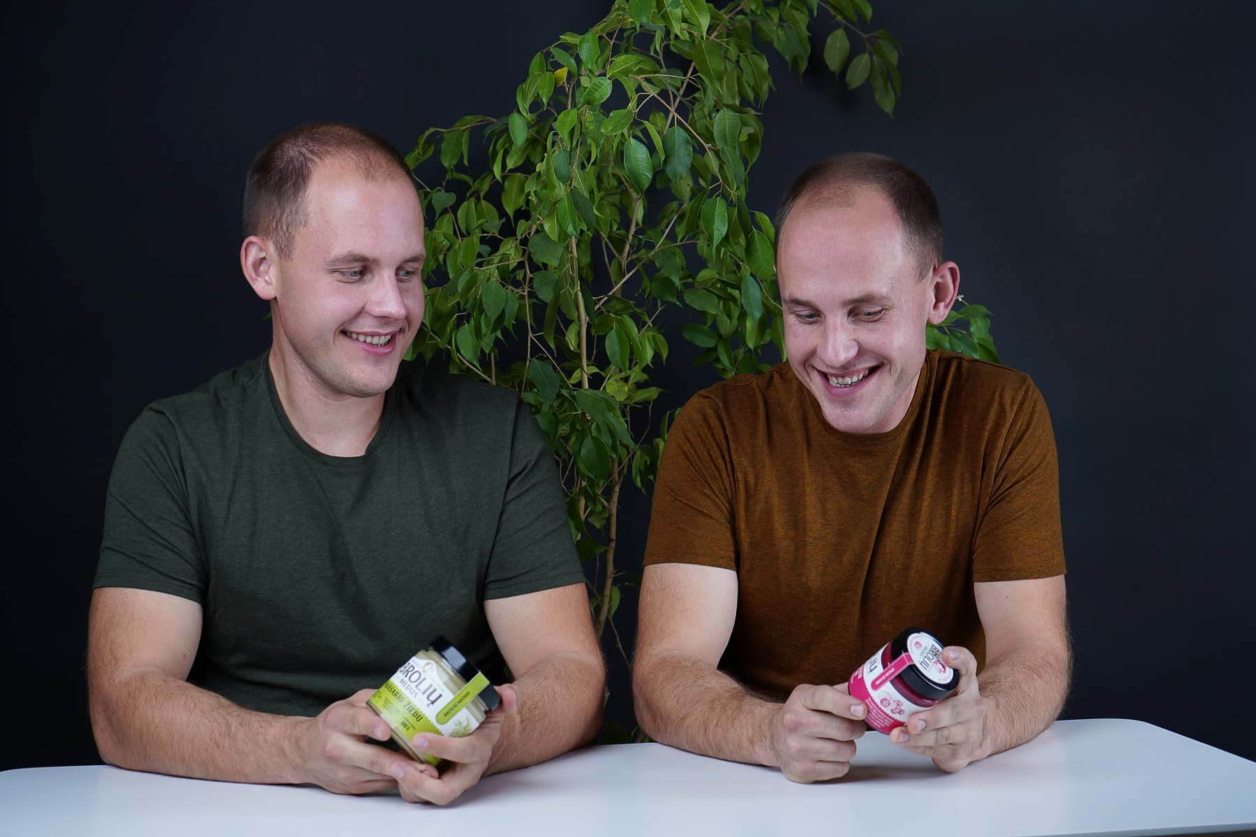 Broliai ir jų medus